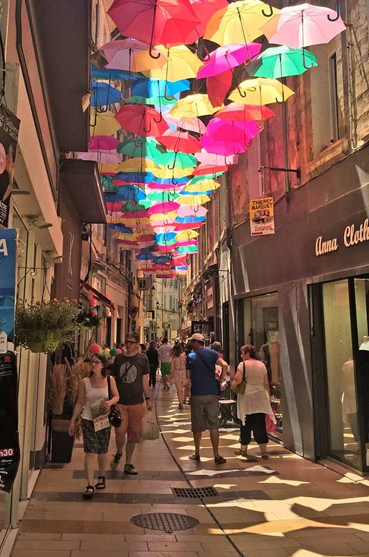 Umbrella Sky Project - Avignon'160