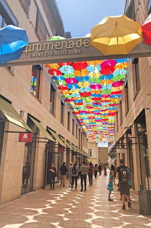 Umbrella Sky Project - Bordéus'192