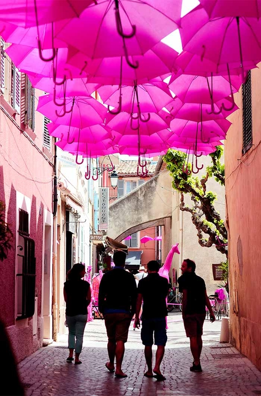 Pink Umbrella Sky - Sanary-sur-Mer'160
