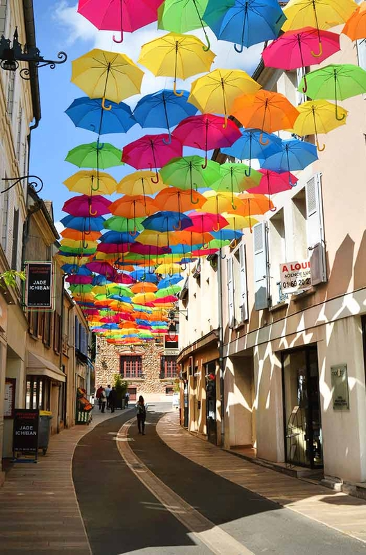 Umbrella Sky Project - Verrieres-les-Buissons'171