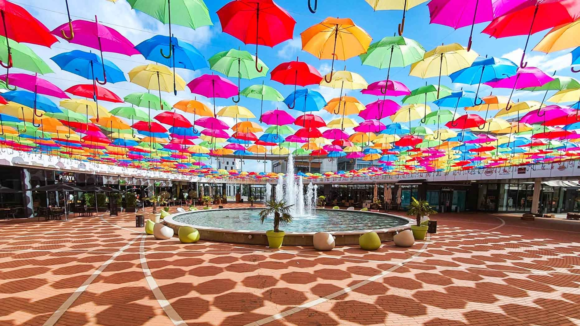 Umbrella Sky Project - Tours'20